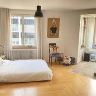 huge & bright flat w. direct sunlight, parquet, 2 balconies, dining & living room, starting 01.05.